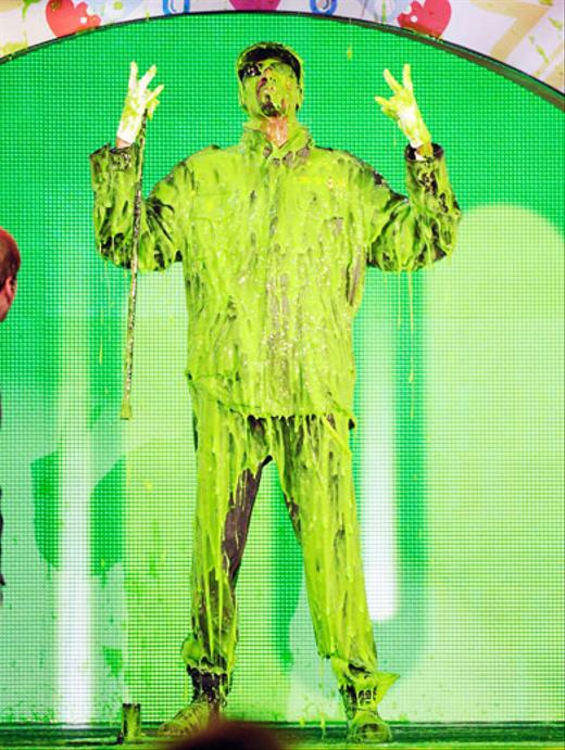 /nick-assets/blogs/images/kids-choice-awards/snoop-slimed-kids-choice-awards.jpg