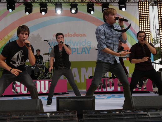 Judges Table|We give Big Time Rush a solid '10' for this unforgettable WWDOP performance. Bravo!