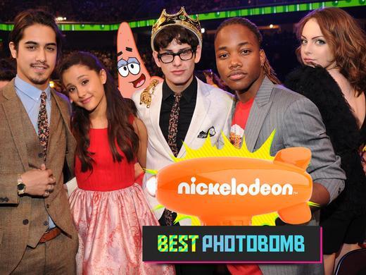mgid:file:gsp:kids-assets:/nick/shows/images/blogs/blogs-1/2013-kids-choice-awards-blimp-bonus-4x3-photo-bomb.jpg