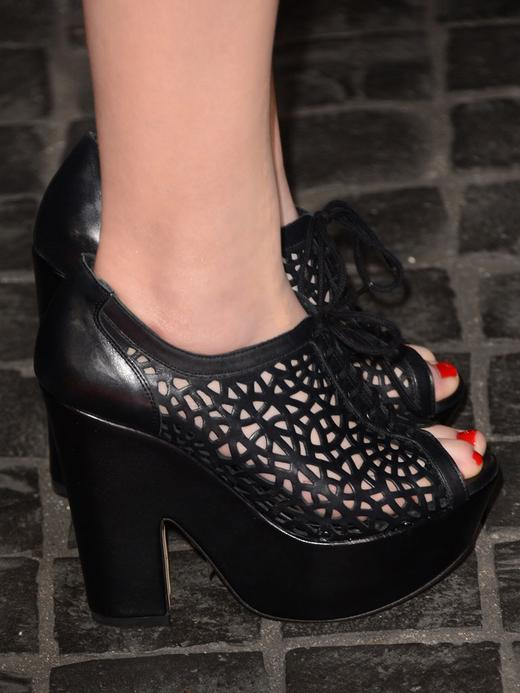 /nick-assets/shows/images/star411/blogs-3/miranda-shoe-pic-side-view.jpg