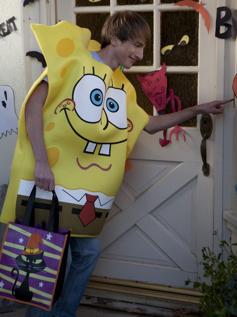 Trick or Treat|What's Fred going to be for Halloween? Why, SpongeBob of course! We wonder what kind of candy is given out in Bikini Bottom...