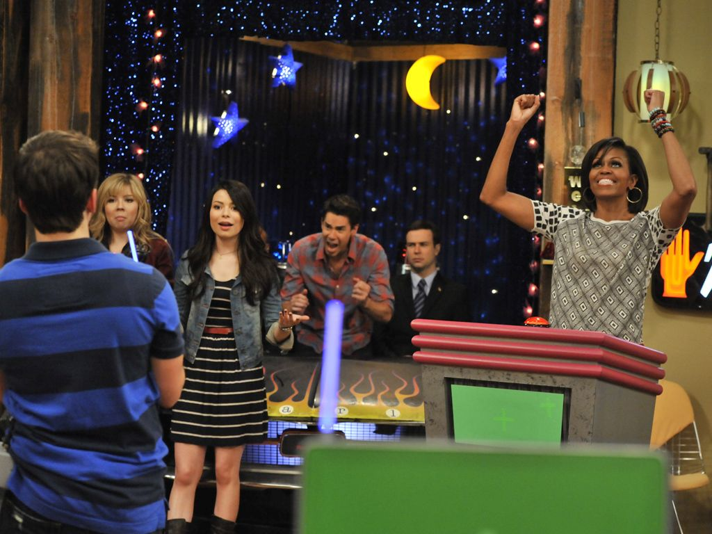 Michelle Rules!|Michelle Obama totally dominated this iCarly game. She can't help it! She's used to ruling...