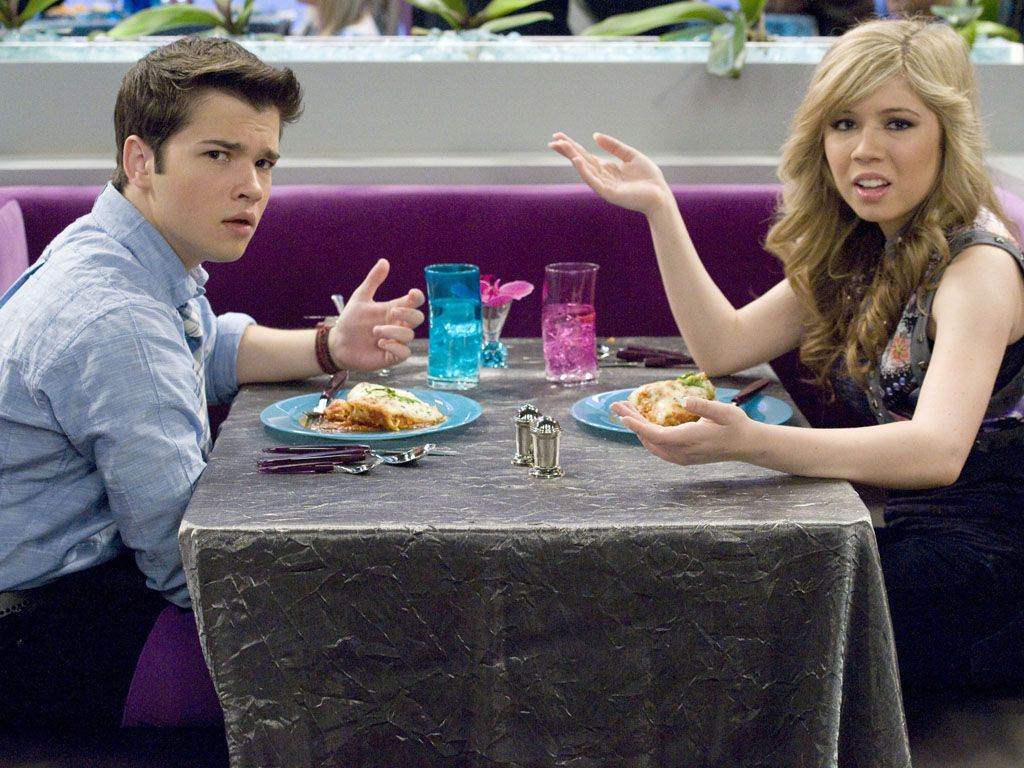 Sacred Outings|On iCarly, Jennette's character Sam cherishes the time she spends eating, and hanging out with her beau Freddie (sometimes). But even off the camera, we'd pity the fool that interrupts her meal!