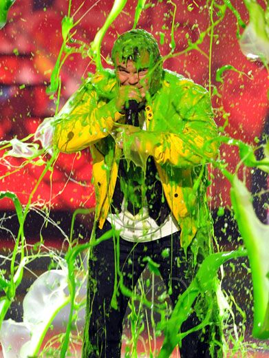 Slime Song|Even with goo in his mic, Jack Black keeps on singin' the slime song. He's just not ready for the KCAs to end!