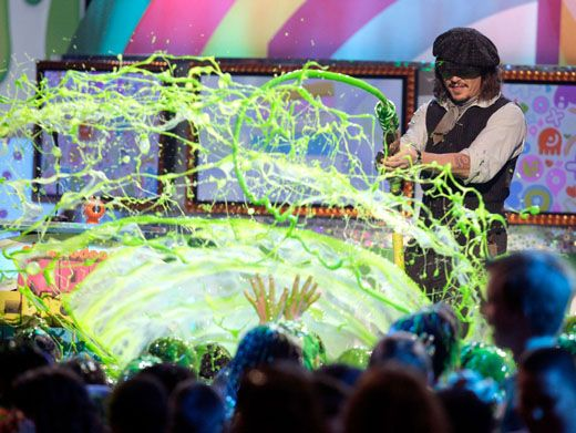 Soak Up Some Slime|Scrub a dub dub and get ready for a slime flood because Johnny Depp has got a hose full of slime and he's not afraid to use it!