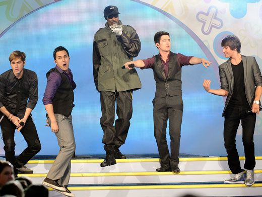 In the Dogg-House|Snoop Dogg rocked the house when he joined BTR on stage at the KCAs.