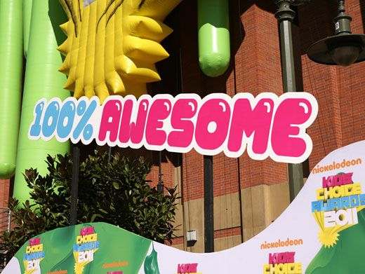 Perfect Percentile|This sign says it all. We know the KCAs are gonna be 100% more silly, 100% more slime-y, and 100% more jam-packed with celebs!