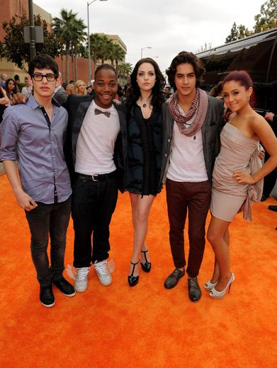 Victorious Bunch|The whole cast of Victorious looked picture perfect at the KCAs!