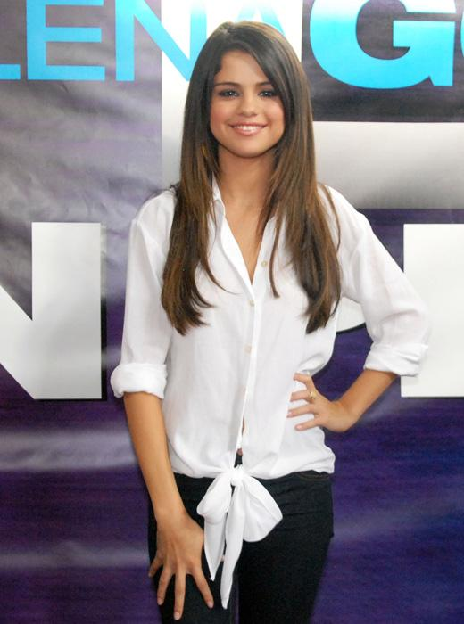 /nick-assets/shows/images/kids-choice-awards-2012/blogs/celeb-sightings-selena.jpg