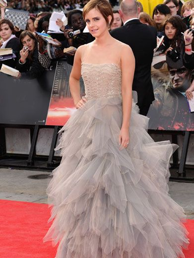 Silver Star|Emma Watson must really be a wizard, because that gown looks magical on her.