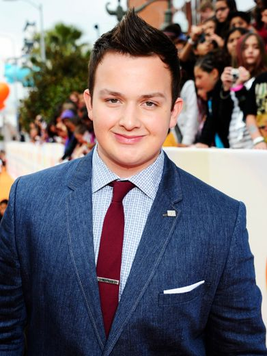 KCA 2012: Noah Munck Is The Man|Gibby drops straight out of a 1960s board room to slay the Orange Carpet crowd with style