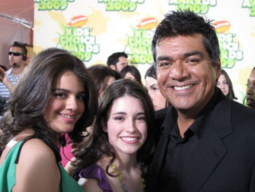 George Lopez|Favorite TV Actor nominee George Lopez strikes a pre-KCA pose.