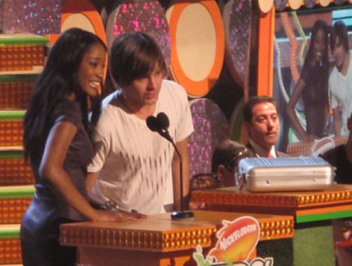 Is zac efron and keke palmer married..?
