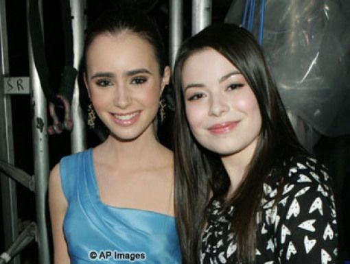 Lily Collins & Miranda Cosgrove|Lily Collins & 
