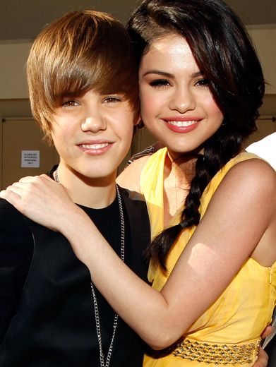 Justin Bieber & Selena Gomez|Could KCA-winner Selena Gomez be Justin Bieber's favorite girl? Not if Victoria Justice has anything to say about it!