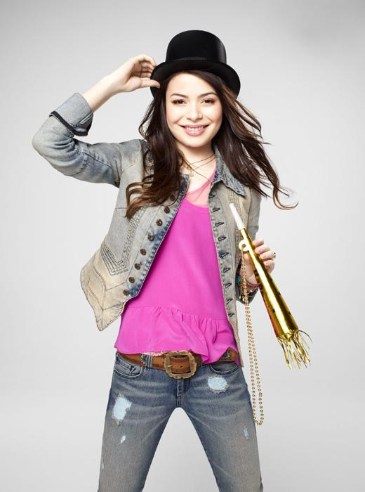 /nick-assets/shows/images/star411/blogs-2/miranda-cosgrove-new-years.jpg