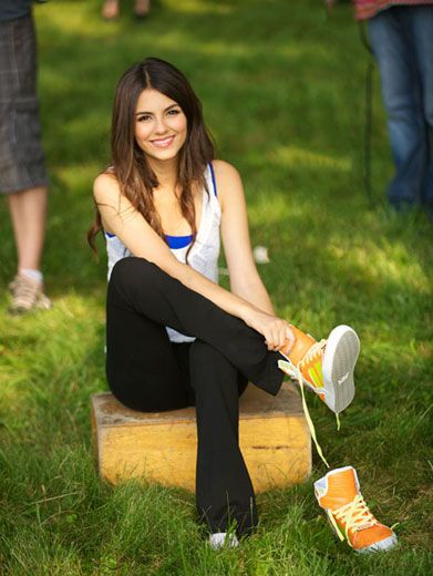 Sneak Peek|While behind the scenes at the WWDOP shoot, we caught Victoria strapping on some sweet sneaks.